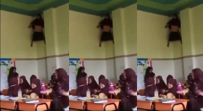 Viral Bocah SD Manjat di Dinding Kelas, Netizen: Ini Spiderman dengan Kearifan Lokal