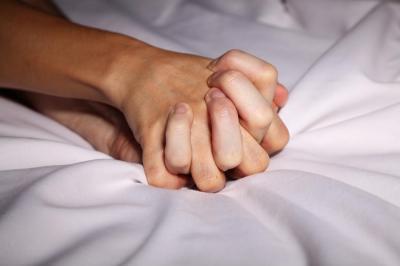 5 Gaya Seks yang Cocok untuk Perawan di Malam Pertama