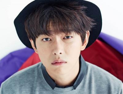 Yoon Kyun Sang Akan Jadi Guru dalam Drama Terbaru OCN
