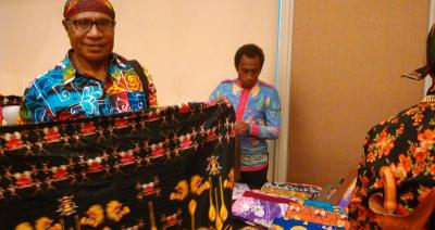 Batik Papua Jadi Cinderamata yang Wajib Diburu di Festival Crossborder Skouw 2019