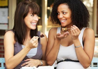 Batuk Pilek Bisa Menular Lewat Makanan dan Minum Bareng?