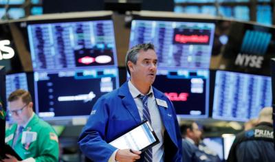 Wall Street Cetak Rekor Ditopang Saham Amazon hingga Twitter
