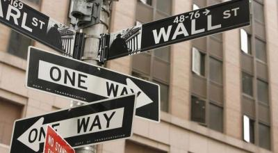 Wall Street Dibuka Datar Usai Laporan Keuangan Boeing dan Caterpillar