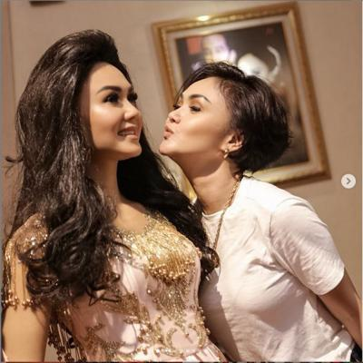 Pertama Kali di Indonesia! Patung Lilin Yuni Shara Mejeng di Museum Musik Dunia