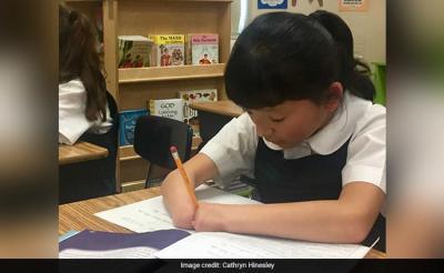 Terlahir Tanpa Jari Tangan, Bocah 10 Tahun Ini Jadi Juara Menulis di Amerika Serikat