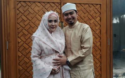 Sulit Punya Anak, April Jasmine Sempat Restui Ustadz Solmed Berpoligami