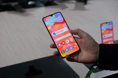 Smartphone Jadi Perangkat Favorit untuk Berselancar Internet, Tablet Paling Tertinggal