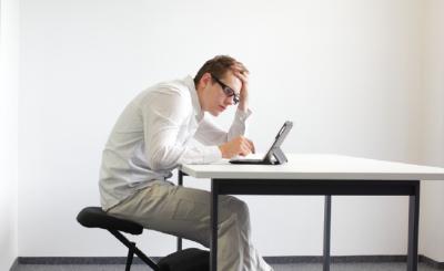 Posisi Membungkuk Tidak Sepenuhnya Buruk untuk Postur Tubuh