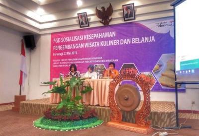 Lewat FGD, Kemenpar Sosialisasikan Pengembangan Wisata Kuliner dan Belanja di Danau Toba