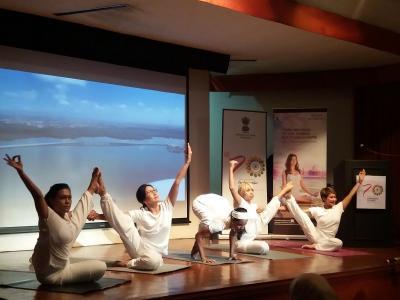 Ribuan Penggemar Yoga Siap Ramaikan Candi Prambanan di Hari Yoga Internasional
