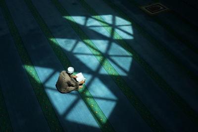 Kisah Muhammad Ibrahim Adil yang Mendapat Hidayah di Balik Dinding Penjara