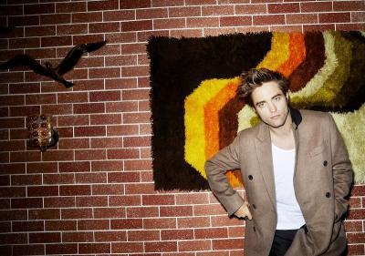 Jadwal Syuting Bentrok, Robert Pattinson Mundur dari The Souvenir