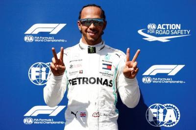 Hamilton Ogah Mengalah saat Balapan Hanya Demi Berikan Tontonan Menarik
