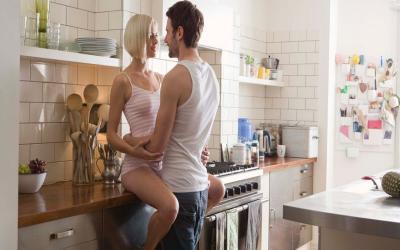 Sensasi Berhubungan Seks di Dapur, Olahraga Sekaligus Bersenang-senang