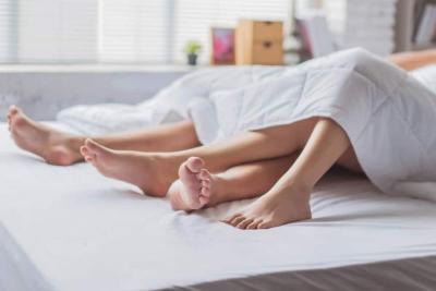 Ingin Lancar Jelang Melahirkan? Berhubungan Seks Kuncinya