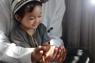 Simak! Doa Orangtua Paling Mujarab