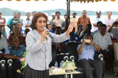 Menteri Susi Kirim 173.800 Anak Lobster 'Berlibur' di Bali