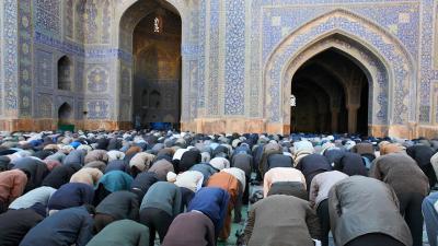 Sering Salat di Masjid, Jangan Membanggakan Diri!