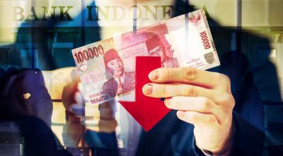 Tertekan Dolar AS, Rupiah Melemah Dekati Level Rp14.000 USD