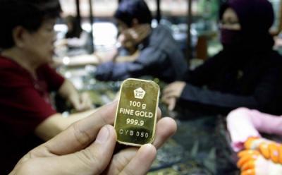 Harga Emas Antam Terus Turun, Sekarang Rp697.000 Gram