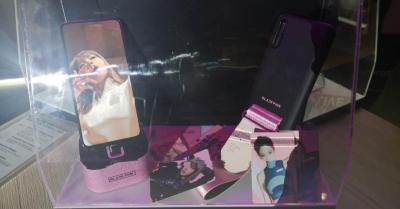 Samsung Galaxy A80 dengan Bundling Aksesori Blackpink