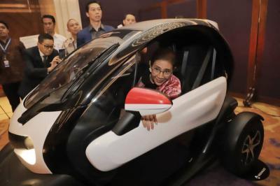 Jajal Mobil Listrik, Menteri Susi: Sayang Masih Mahal Belum Ada Insentif Pajak