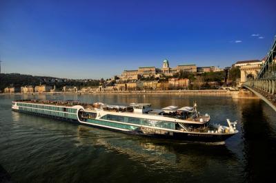 Menyusuri Sungai dengan Kapal Pesiar Jadi Tren Traveler Dunia