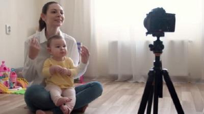 Orangtua Jadikan Anak Selebgram atau Artis, Bentuk Eksploitasi atau Bukan?