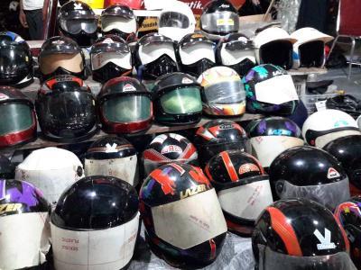 Langkah Ini, Bisa Cegah Timbul Bau dan Jamur pada Helm