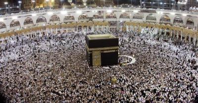 Pengalaman Mengharukan, Kaka Slank hingga Yura Yunita di Tanah Suci