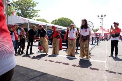 Cara Unik Mitsubishi Rayakan Kemerdekaan ke-74 RI Bersama Warga Yogyakarta