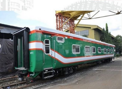 Angola Kepincut Beli 10 Kereta Made in Indonesia
