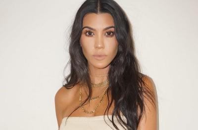 Diejek Pengangguran, Kourtney Kardashian Sentil Balik Netizen