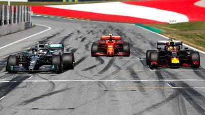 Hamilton Harapkan Persaingan Lebih Ketat dari Leclerc dan Verstappen