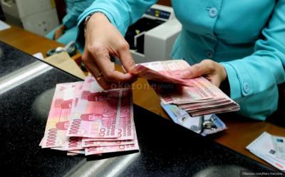 Banjir Sentimen Positif dari Eksternal, Rupiah Menguat ke Rp14.243 USD