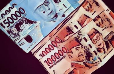 Rupiah Merangkak Naik ke Rp14.237 per USD