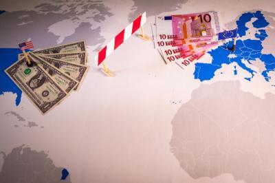 Perang Dagang AS-China Memanas Lagi, Dolar Bergerak Loyo
