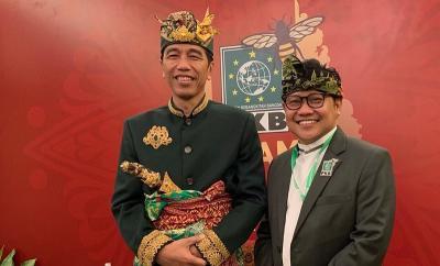 Tampilan Gagah Jokowi dengan Baju Adat Bali
