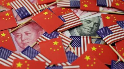 Perang Dagang Makin Panas, Trump Naikkan Tarif Impor Barang China