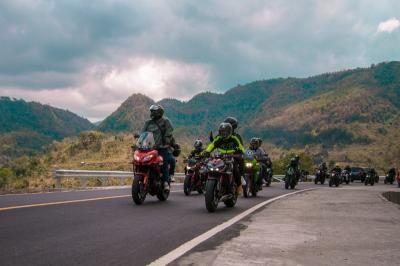 Touring Sejauh 1.230 Km, Ratusan Bikers Kampanyekan Safety Riding di Jalan