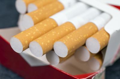 Cukai Naik 23%, Taruhannya Inflasi dan Marak Rokok Ilegal