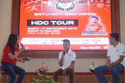Ingin Jadi Pembalap Profesional? Ini Tips dari Rider Astra Honda, Adenanta Putra