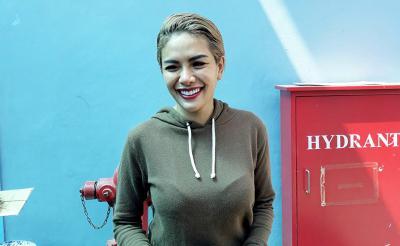 Bayi Nikita Mirzani Peluk Gepokan Uang, Netizen: Anak Sultan