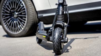 Mercedes-Benz Luncurkan Skuter Listrik, Dijual 2020