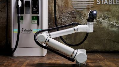 Di Masa Depan Pengisian Baterai Mobil Listrik Gunakan Robot