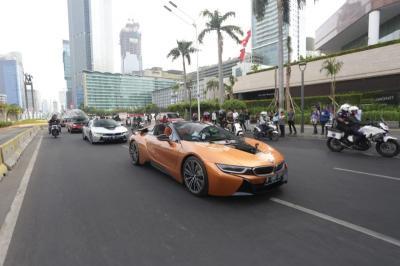 BMW Terjunkan i8 Roadster Dalam Konvoi Menyambut Formula E Jakarta