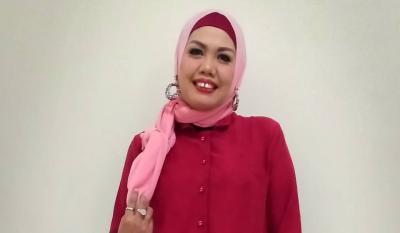 Artis Hijrah! Setelah Berhijab, Elly Sugigi Ingin Masuk Pengajian Musyawarah