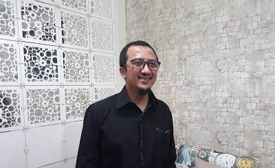 Film The Santri Dikritik Pesantren Mualaf Irena Center, Yusuf Mansur: Asyik Saja
