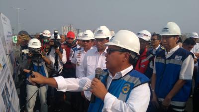 Aksi Menhub Cek Tol Layang Jakarta-Cikampek