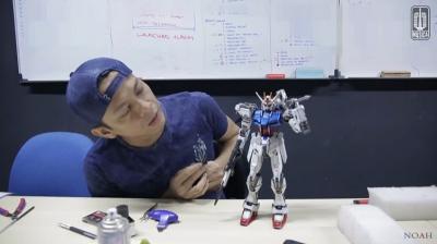 5 Artis Ganteng yang Hobi Koleksi Action Figure, Rela Rogoh Jutaan Rupiah!
